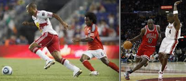 compare and contrast essay on basketball and football What is the difference between soccer and basketball a: what are the similarities between football and basketball what are some popular men's ball sports.