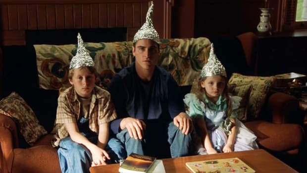 tinfoil_hat_hillary