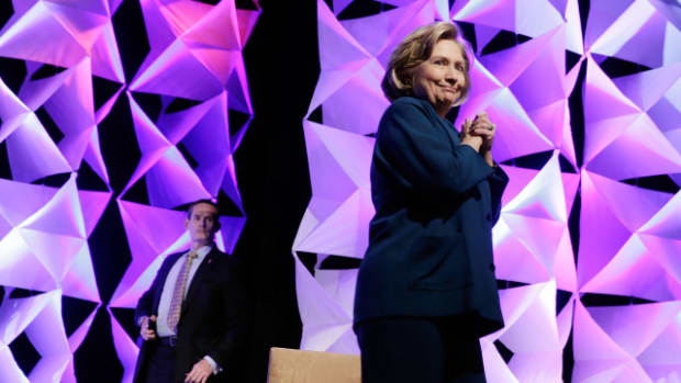 Hillary Clinton Addresses Recycling Ind