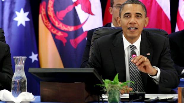 Obama speaks as Hassanal Bolkiah listen