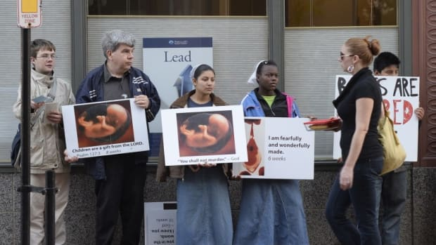 abortion_clinic_protest
