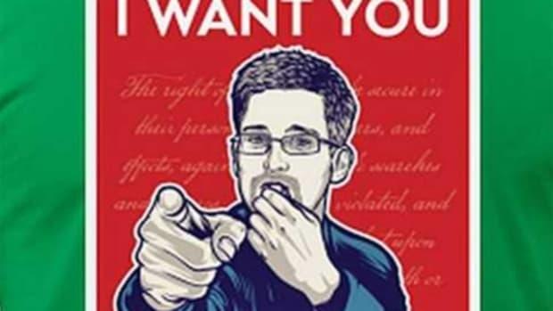 snowden_tshirt_wikileaks