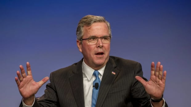 jeb_bush_hands_up