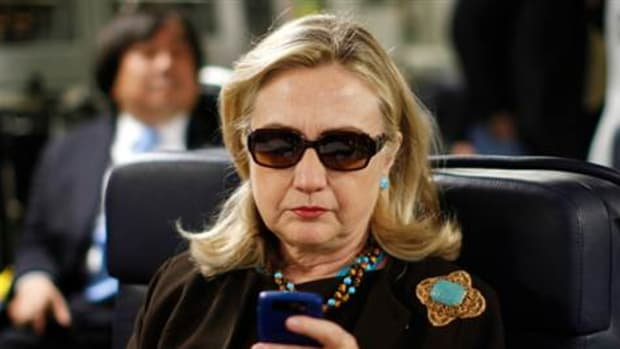 hillary-clinton-cellphone