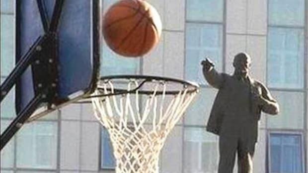 Lenin is good at basketall