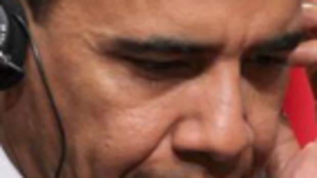 obama_headphones_nsa_280