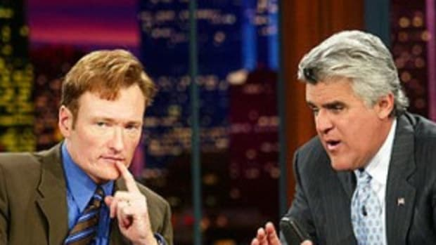 http://thelatestcelebrityfashiontrends.com/wp-content/uploads/2010/02/Jay-Leno-Conan-OBrien-300x300.jpg
