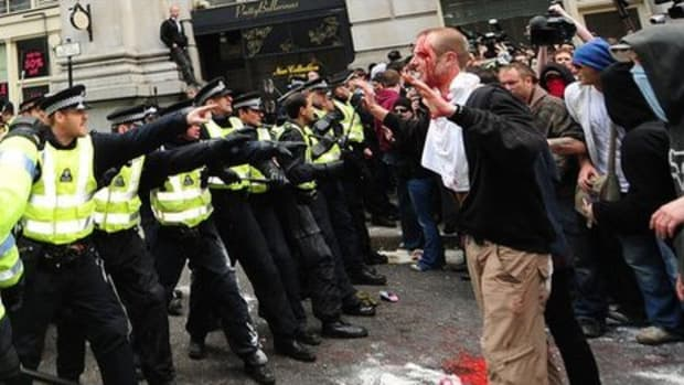 British riot police confront G20 protestors in London. The Royal Bank of Scotland was stormed and trashed while the leaders of the imperialist countries and others arrive to discuss the crisis in world capitalism. by Pan-African News Wire File Photos.