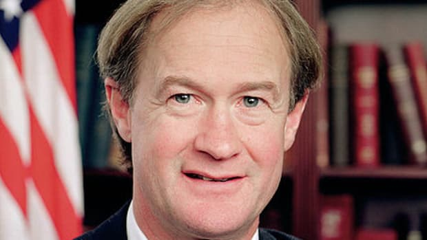 /428px-Lincoln_Chafee_official_portrait.jpg