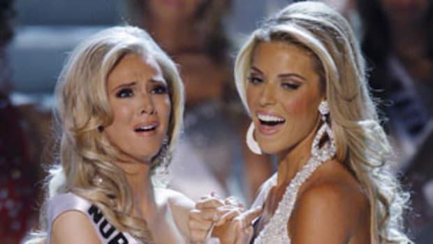 Bài 'Miss California làm sao xứng làm Hoa hậu Mỹ' by haiyen_eye.