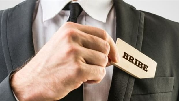 What-is-Bribery_628x290