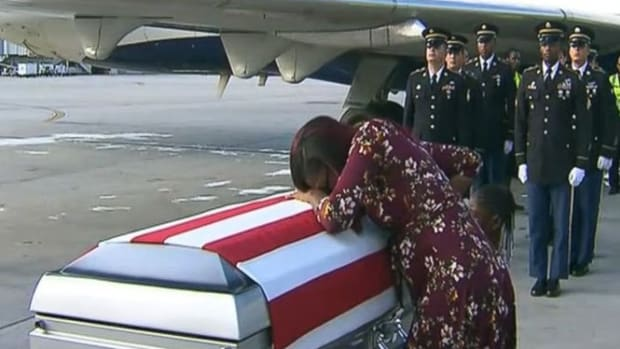casket-myeshia-johnson-abc-jef-171018_31x13_992