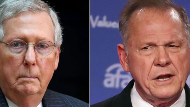 mitch-mcconnell-roy-moore-gty-thg-171113_31x13_992
