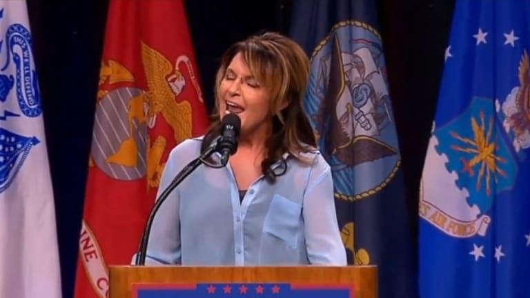 Sarah Palin Just Gave Hillary Clinton A Million Dollar Anti-Trump Slogan