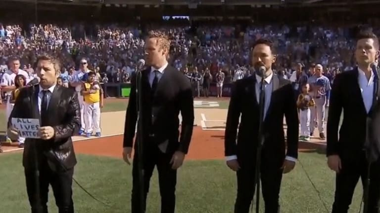 Watch Moron Tenor Ruin Baseball All-Star Game With Racist 'All Lives Matter' Sign and Anthem