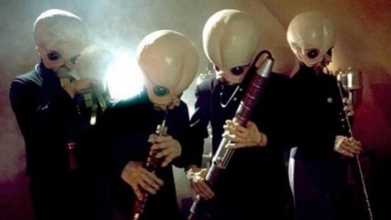 Alien Band Leader Makes Contact With Earth to Disavow Republican Candidate's Claims