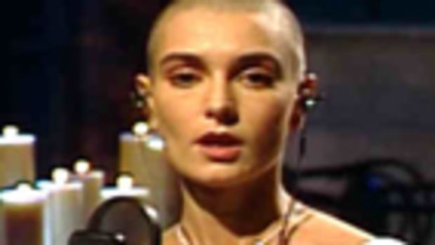 saturday_night_live10-3-1992sinead_occo