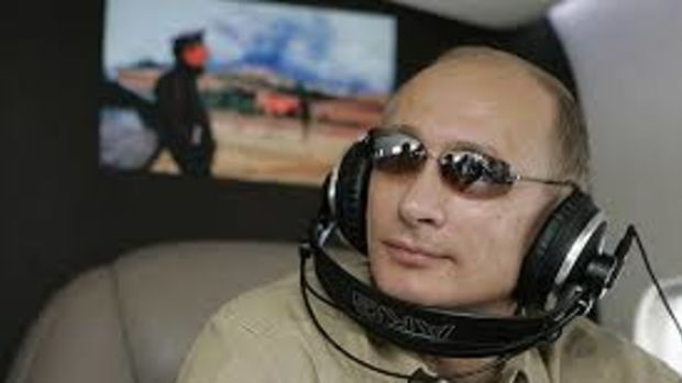 putin_headphones