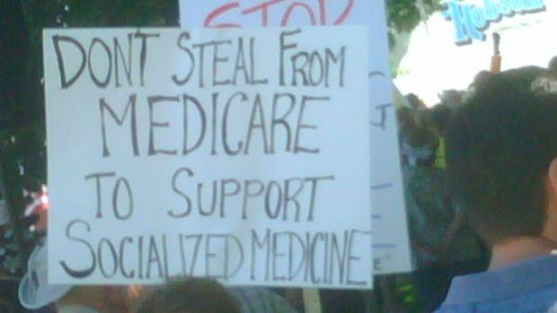 medicare_sign_teabaggers.jpg