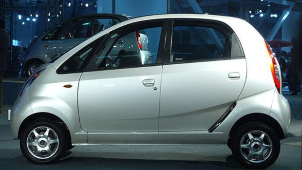 Tata Nano Side (DSCF1933) by blackrat.