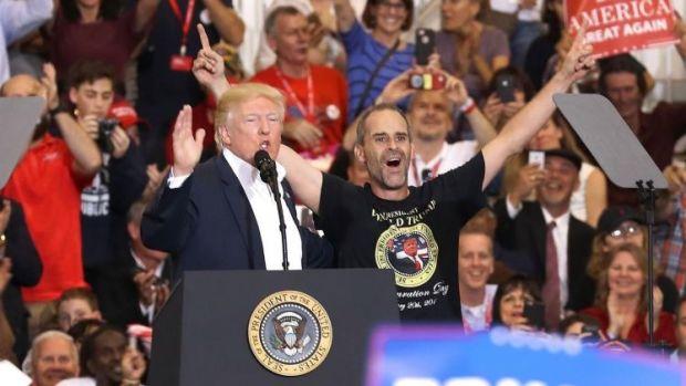 trump campaigning