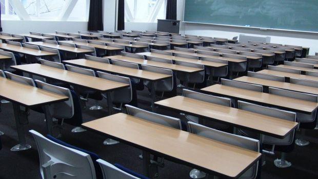 empty-desks-means-no-school