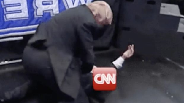 trump-CNN-tackle-640x479