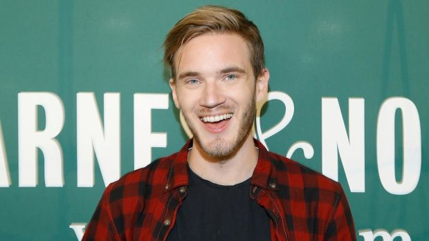 494848194-pewdiepie-signs-copies-of-his-new-book-this-book-loves.jpg.CROP.promo-xlarge2
