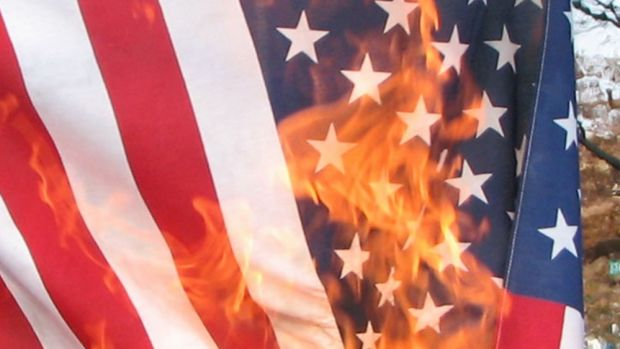 US_flag_burning crop.jpg