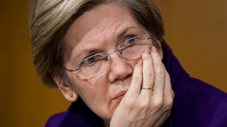 """Elizabeth Warren Unleashes Hell on Donald Trump, Calls Him a """"Loser"""""""