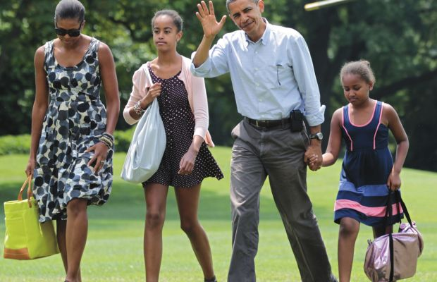 Obama-Family-Leaving