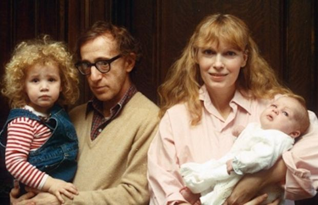 WOODY ALLEN WITH MIA FARROW AND FAMILY