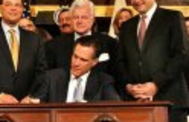 romneycare_signing