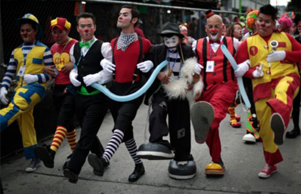 clowns_marching