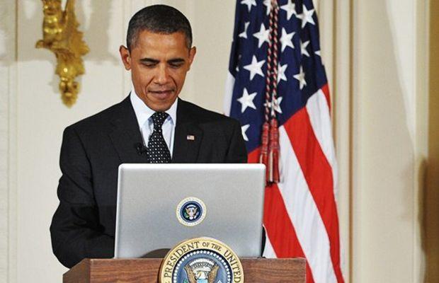 obama-tweeting-computer-hed-2012