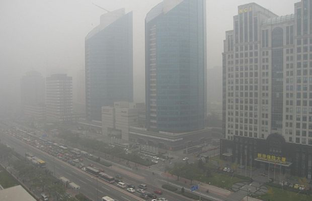 China Peking Smog Pollution Luftverschmutzung by lhgszch.