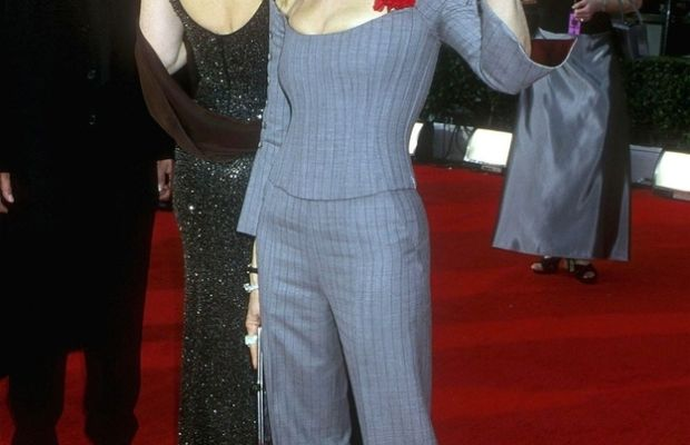 In 2000, she wore this fitted pinstripe suit, which looks suspiciously like the product of a Project Runway contestant.