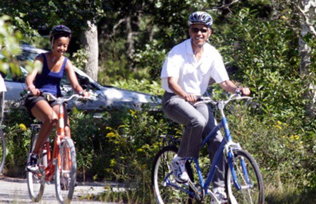 obama_bike_slacks