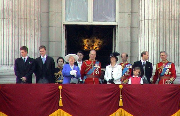 Royal family by spacebahr.
