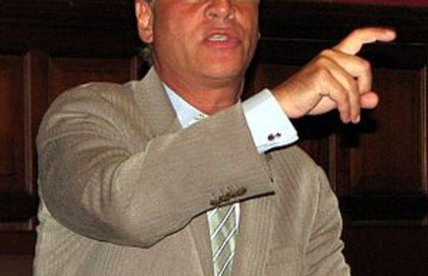 English: Aaron Sorkin speaking at the Oxford Union