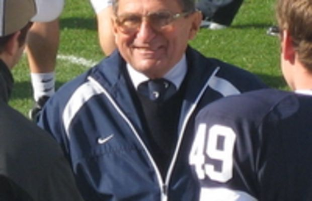 Penn State Nittany Lions head coach Joe Patern...