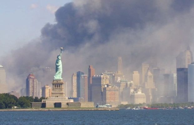 o-THE-STATUE-OF-LIBERTY-STANDS-AS-SMOKE-BILLOWS-facebook.jpg
