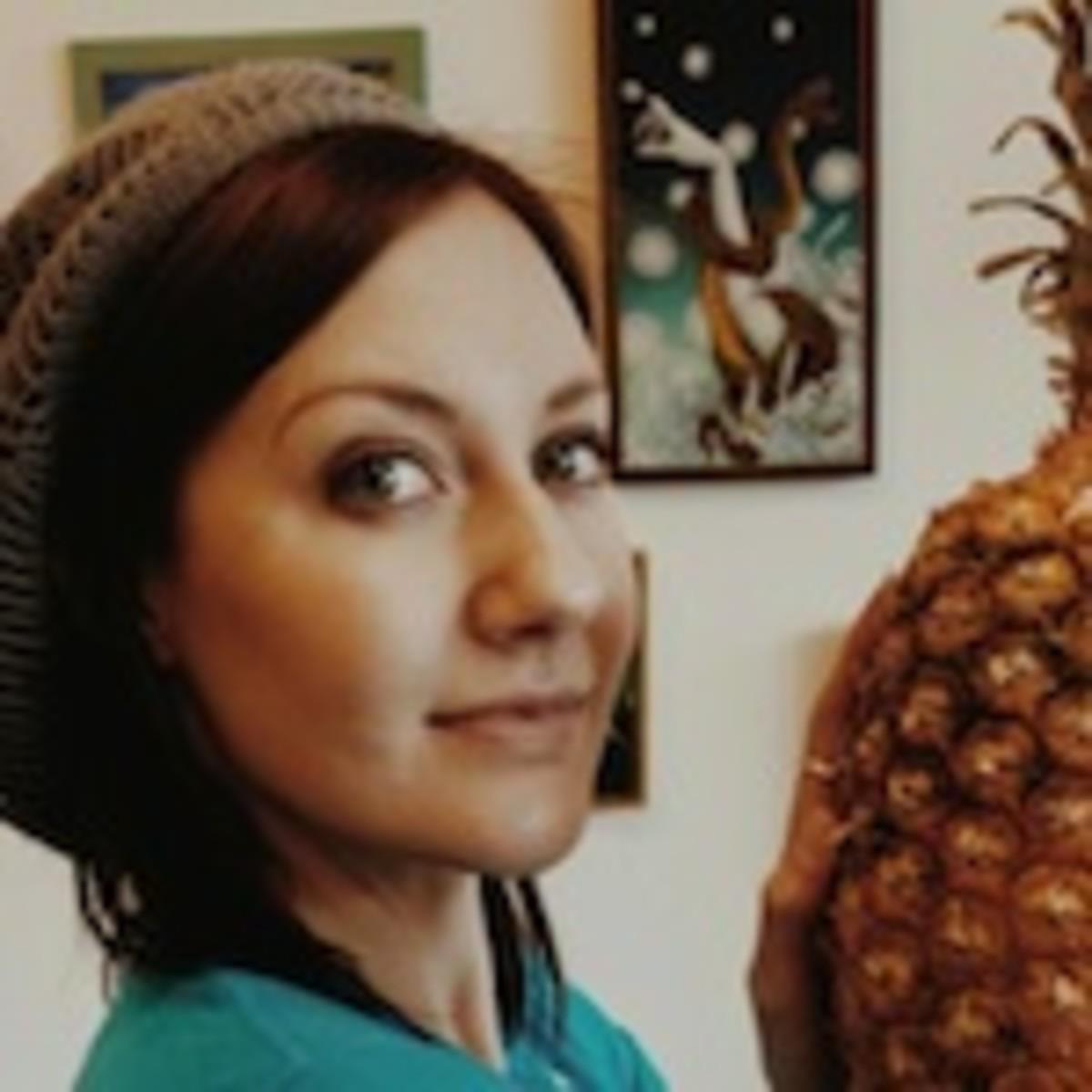 jamie-pineapple.jpg