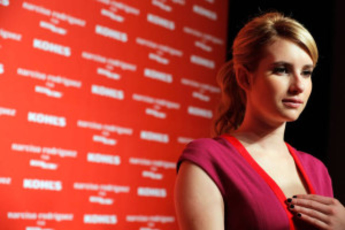 Emma-Roberts-arrested-for-domestic-viol