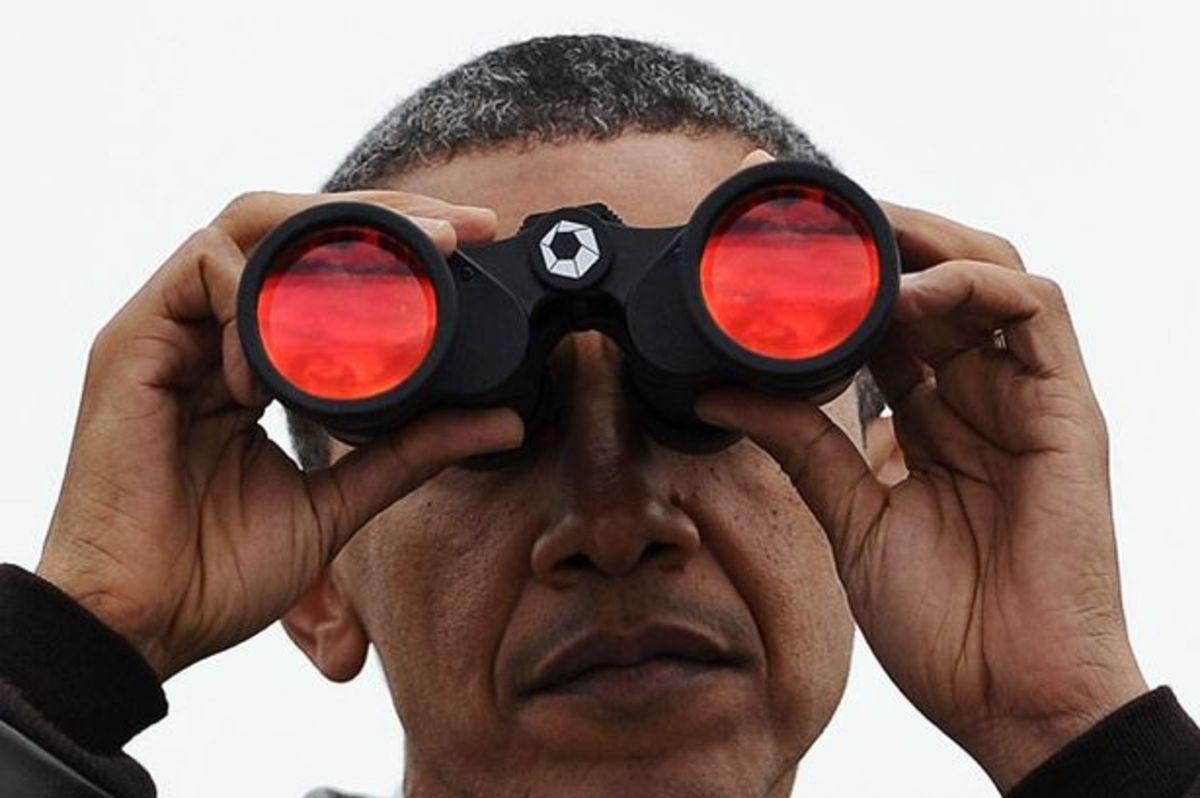 obama_binoculars