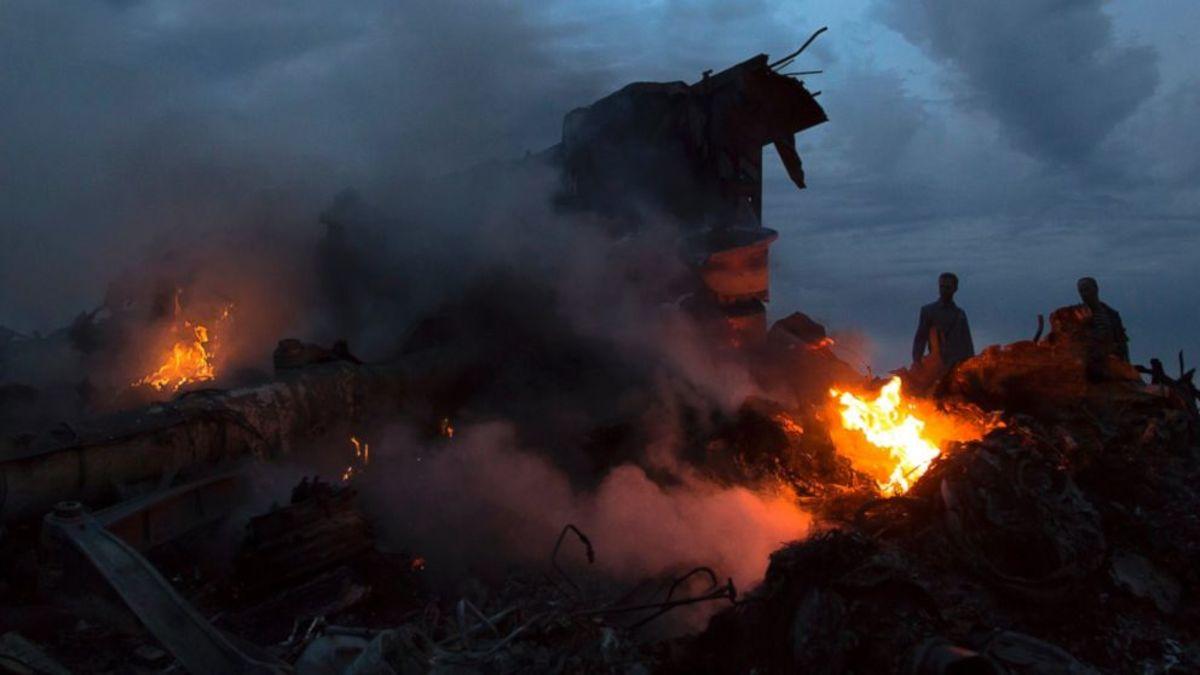 AP_Ukraine_Malaysia_Airlines_debris_bc_