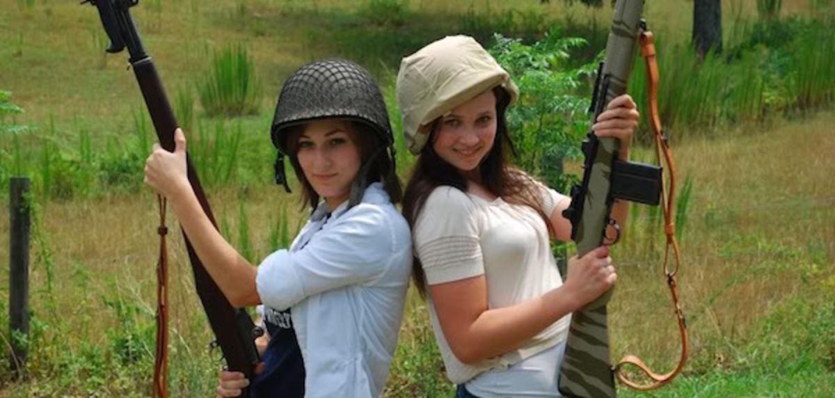 GirlsGuns1