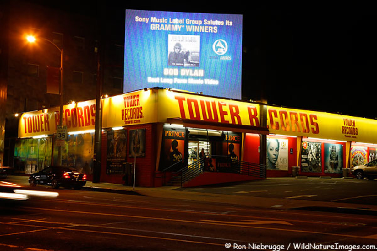 Tower Records on Sunset Boulevard, Holl