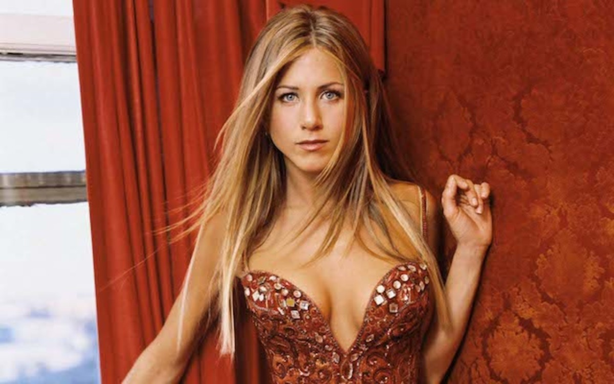 Jennifer-Aniston-Hot-2013-HD-Wallpaper