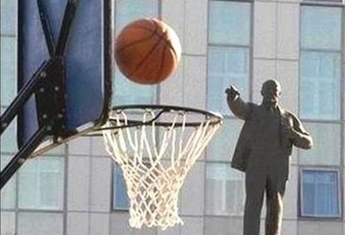 Lenin is good at basketall